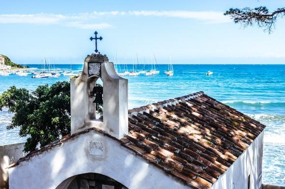 Golfo di Baratti, Kirche