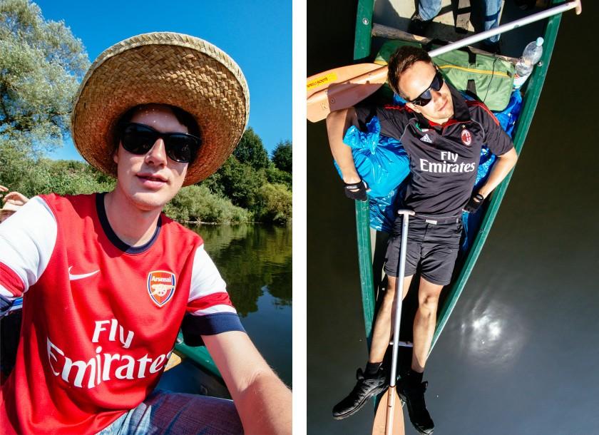 Philipp und Jan mit Fußballtrikots: Arsenal FC vs. AC Mailand