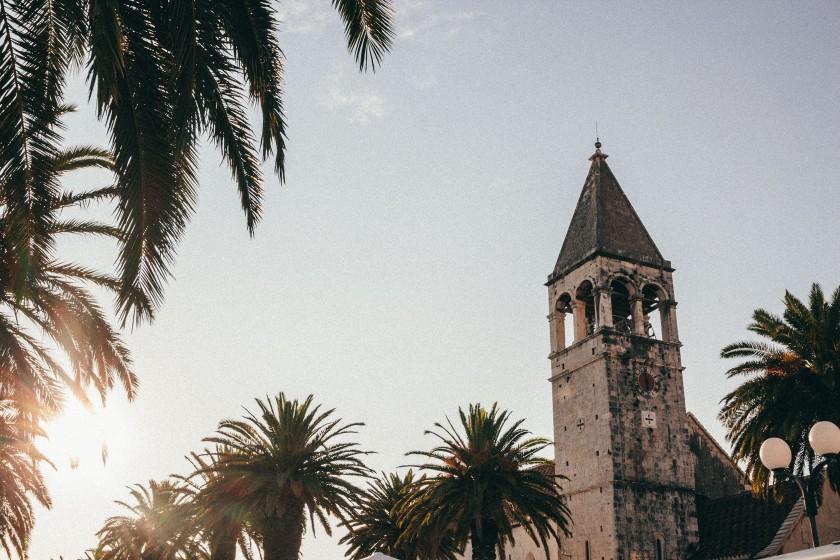 Sonne und Palmen, geile Szenerie in Trogir.