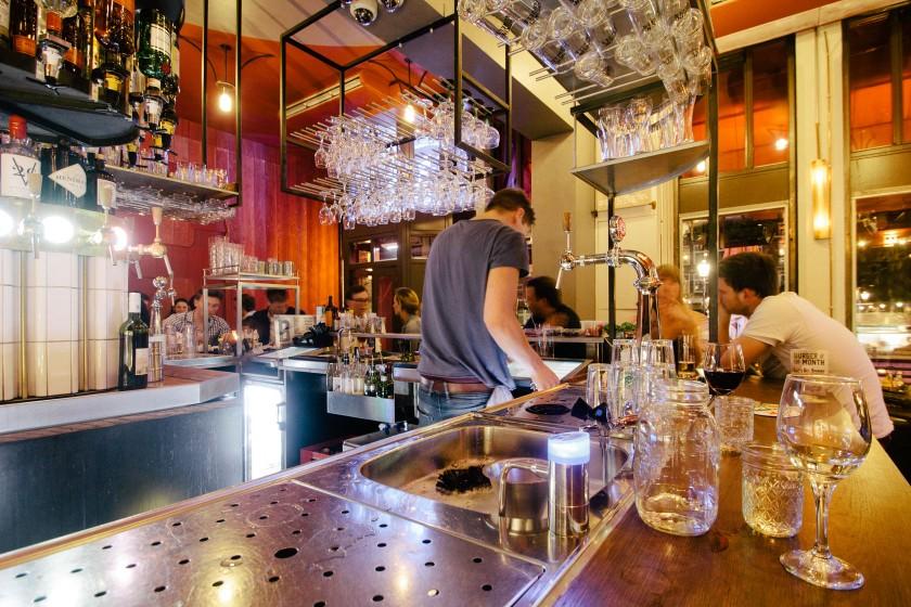 Smokin' Barrels Amsterdam: Ein toller Lokal mit verschiedenen Biersorten, Bier Cocktails, Burgern und Rippchen.
