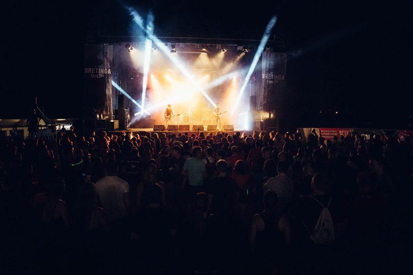 Bretinga Open Air 2018 Bühne mit der Band Schmutzki